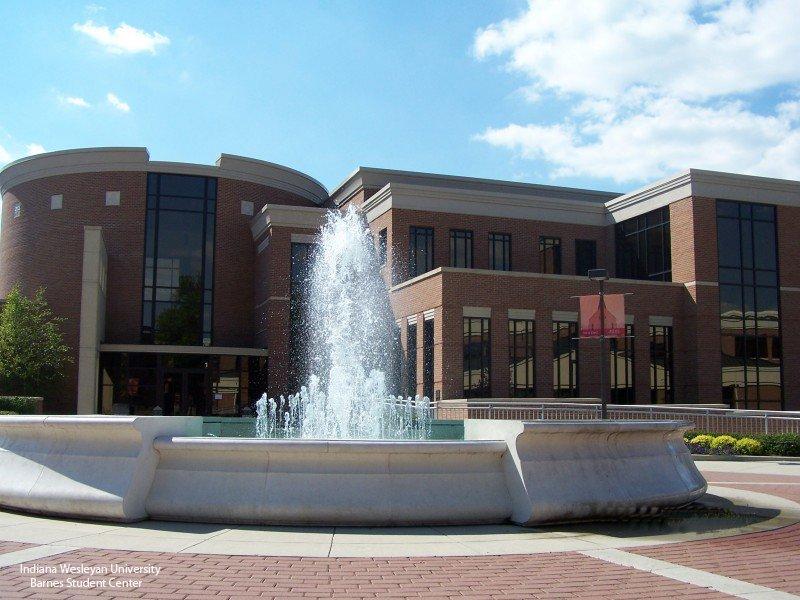 Indiana Wesleyan University Barnes Student Center